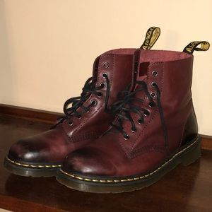 Dr. Martens: leather boots